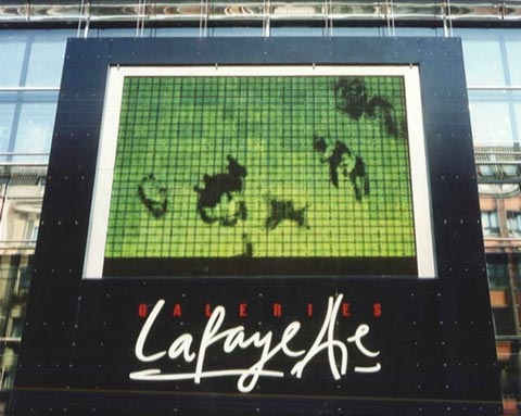karussell, led-screen, galeries lafayette, berlin 1997