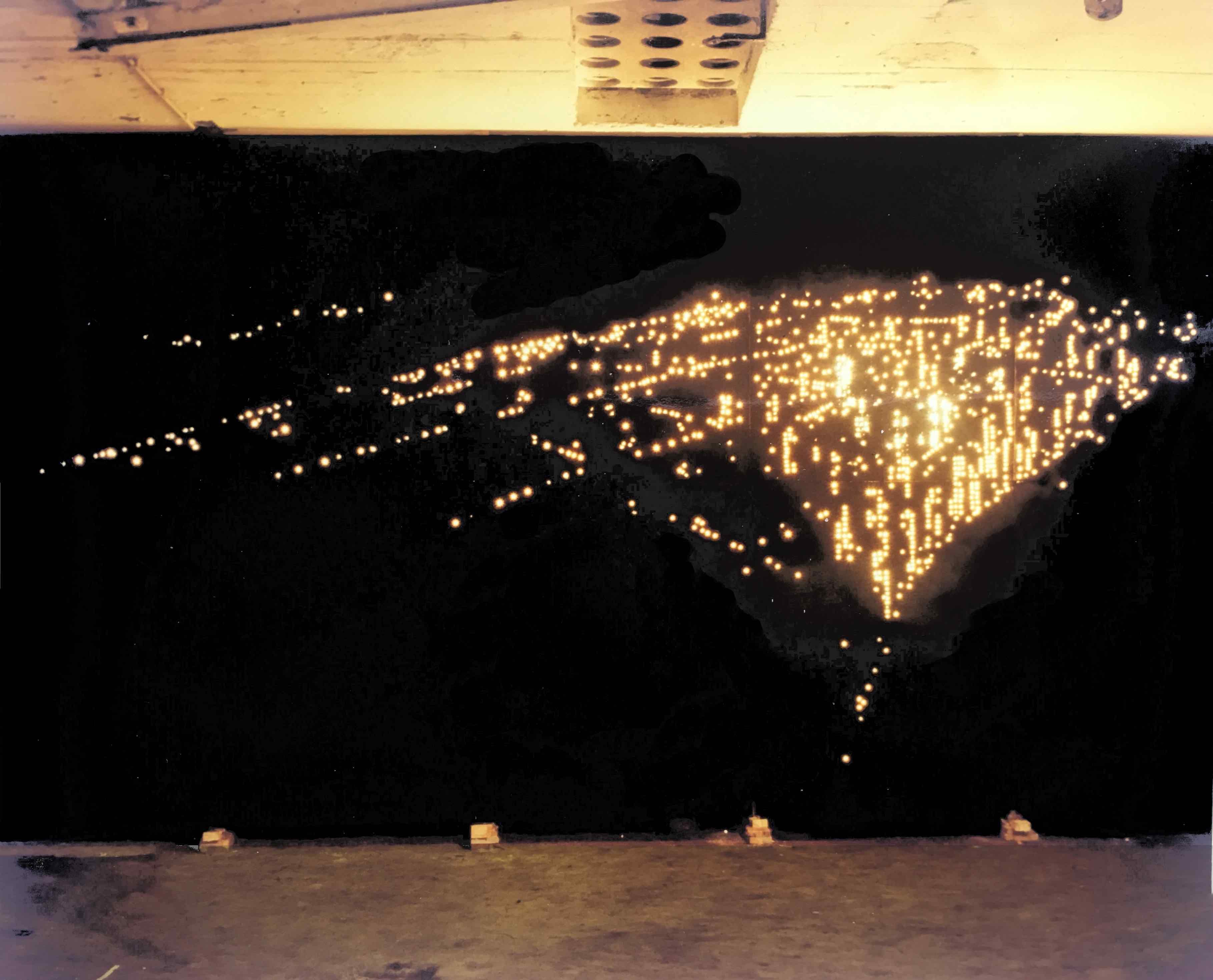 new york, installation mit lichterketten, kunstraum lothringer straße, münchen, 1981